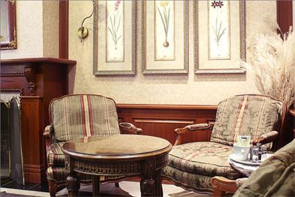 hotel auberge le jardin d 39 antoine 3 montr al. Black Bedroom Furniture Sets. Home Design Ideas