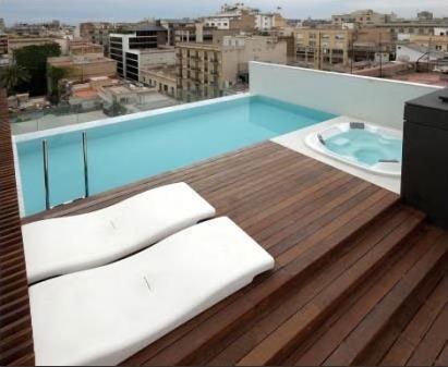 Hotel condes de barcelona 4 barcelone espagne for Hotel piscine privee
