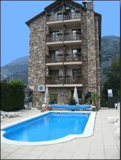 Hotel prats 3 andorre les escaldes france for Piscine andorre