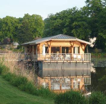 Court s jour week end vivre autrement un habitat lacustre de charme unique en france - Autrement maison ...