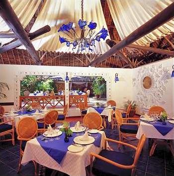 restaurants dont 2 donnant sur la mer (1 restaurant principal pour ...