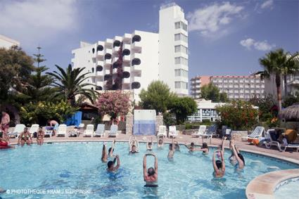 hotel club pamplona 3 playa de palma majorque magiclub voyages. Black Bedroom Furniture Sets. Home Design Ideas
