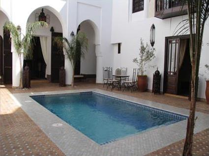 Riad assouel 3 marrakech maroc magiclub voyages for Riad piscine privee marrakech