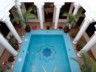 Riad lora kenza marrakech maroc magiclub voyages for Riad piscine privee marrakech