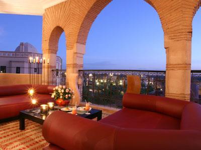 Riad octogone terre resort spa marrakech maroc for Piscine portable maroc