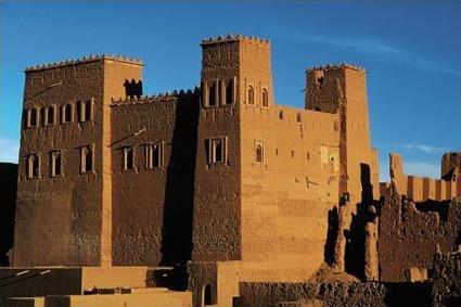 http://www.magiclub.com/magiclub/visuals/maroc_marrakech_sejour_combine_marrakech_ouarzazate_kasbah.jpg