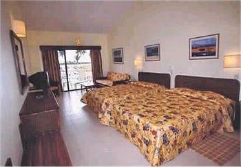 Hotel santana beach resort 4 playa santana for Chambre de guandules dominicano