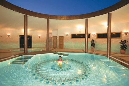Hotel marinedda thalasso spa 4 sup isola rossa for Thalasso quiberon piscine