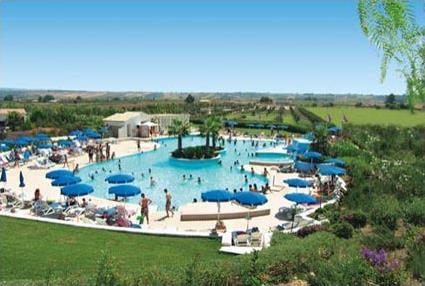 Hotel costanza beach club 4 slinonte sicile for Club piscine lasalle