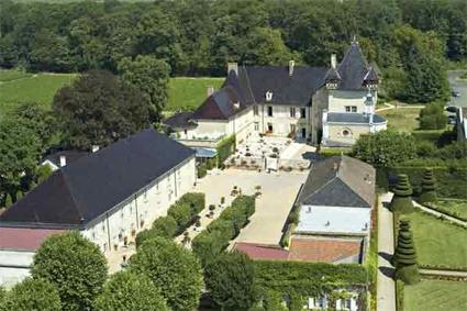 Spa chateau de pizay hotel chateau de pizay 4 morgon saint jean d - Chateau de pizay restaurant ...