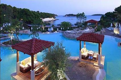 spa croatie hotel amfora hvar grand beach resort 4 ile de hvar croatie magiclub voyages. Black Bedroom Furniture Sets. Home Design Ideas
