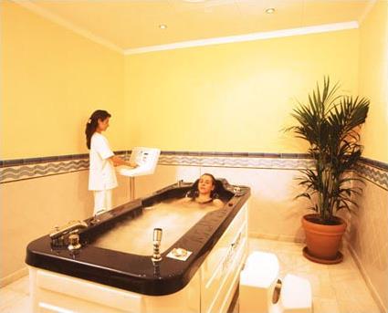 Spa espagne hotel tryp apolo 4 barcelone for Autobronzant et piscine
