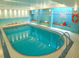 Thalasso spa deauville by algotherm hotel la cte fleurie for Piscine deauville spa