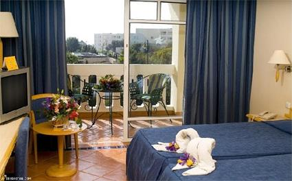 Spa tunisie hotel iberostar belisaire 4 hammamet for Chambre communicante hotel