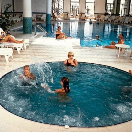 Hotel radisson sas resort thalasso 5 djerba for Thalasso quiberon piscine