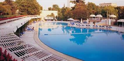Hotel hilton 5 istanbul turquie magiclub voyages - Piscine istanbul ...