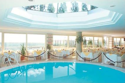 Hotel the president 4 istanbul turquie magiclub voyages - Piscine istanbul ...