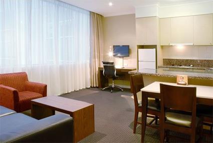 Melbourne en appart hotel 3 sup melbourne for Appart hotel 75015