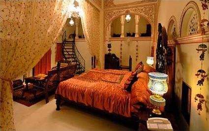 Hotel grand haveli resort 4 nawalgarh rajasthan for Chambre indienne decoration