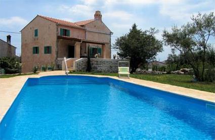 Croatie location de vacances 5 krk kornic la for Aspirateur piscine oasis