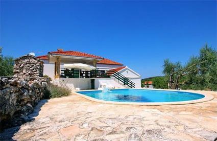 Croatie location de vacances 4 korcula gradina for Centre de vacances avec piscine couverte