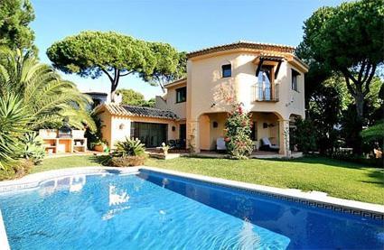 Espagne location de vacances 4 marbella costa for Villa malaga piscine