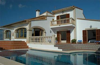 Espagne location de vacances 4 s 39 aranjassa palma majorque magiclub voyages - Villa avec piscine privee espagne ...