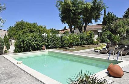 France location de vacances 4 cabannes bouches for Location vacances bouches du rhone piscine