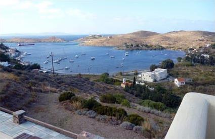Gr ce location de vacances 4 kea island les cyclades magiclub voyages - Villa de vacances exotiques island views ...