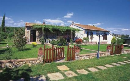 Italie location de vacances 4 caldana toscane for Acheter une maison en toscane italie