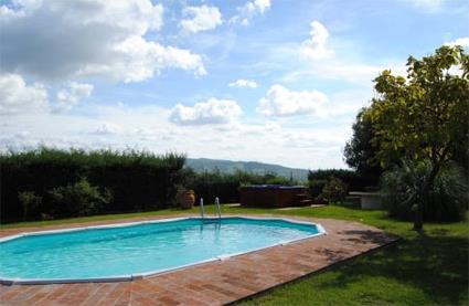 Italie location de vacances 4 castiglione del lago for Location toscane piscine