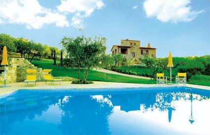Italie location de vacances 5 collazzone for Residence vacances avec piscine privee