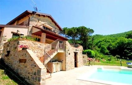 Italie location de vacances 5 fivizzano toscane for Location maison piscine italie