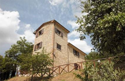 Italie location de vacances 4 monterchi toscane for Location maison piscine italie