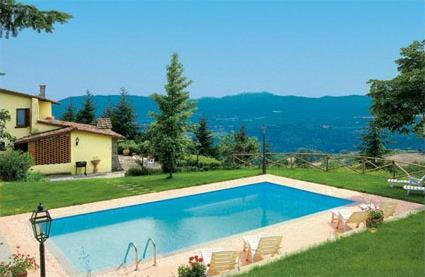 Italie location de vacances 4 scarperia toscane for Location toscane piscine