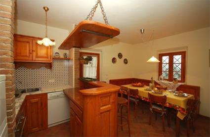 Italie location de vacances 4 serravalle pistoiese for Acheter une maison en toscane italie